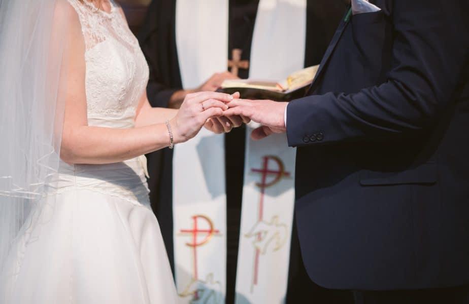wedding-photography-RJDWzHyh6gE-unsplash-924x600